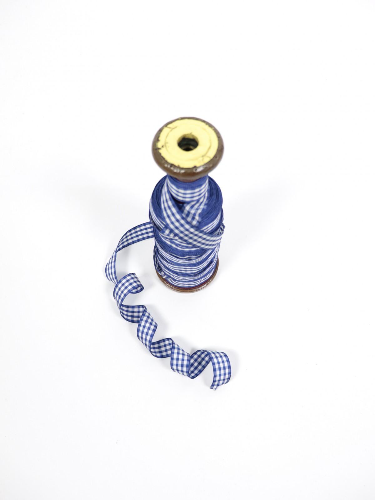 France,Parts,ribbon