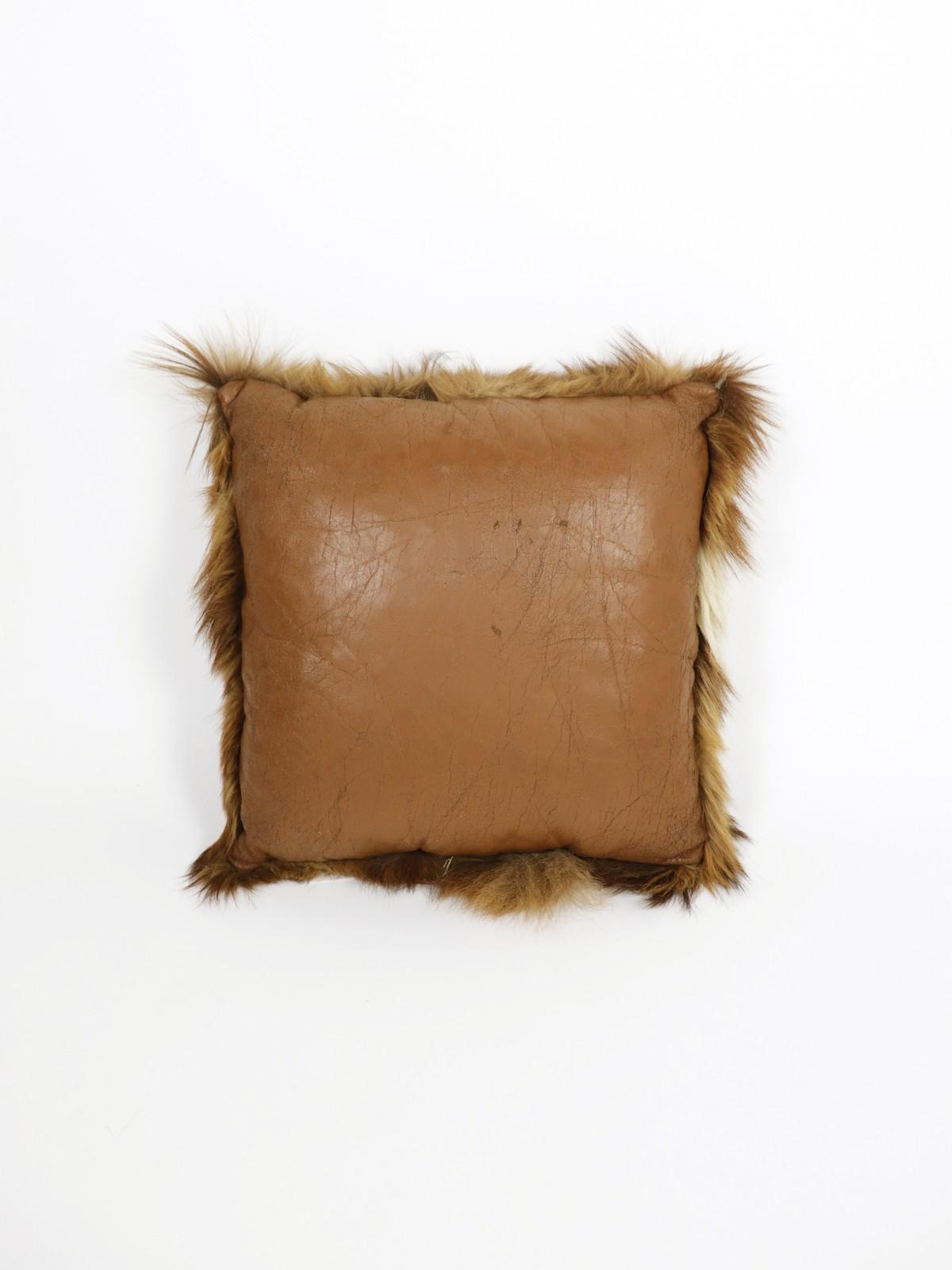 cushion,fur, leather, france