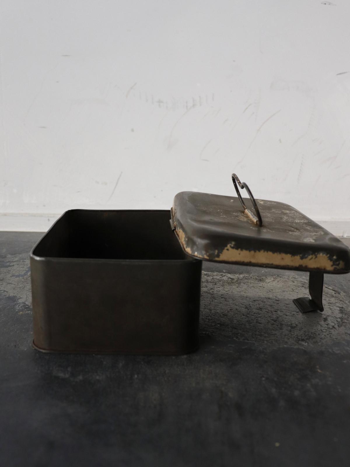 tin box,1960's , europe