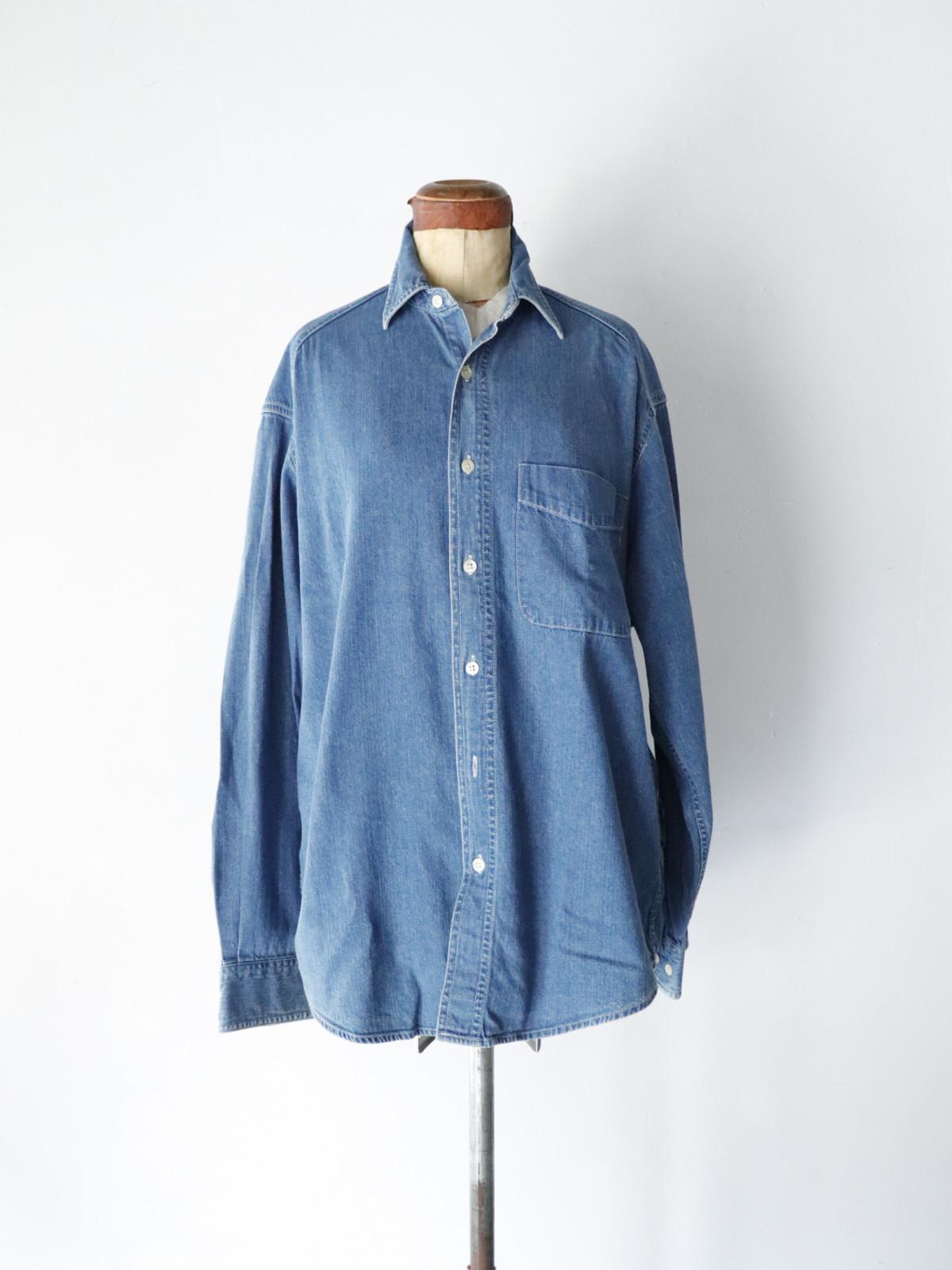 Gap, denim shirts,USA