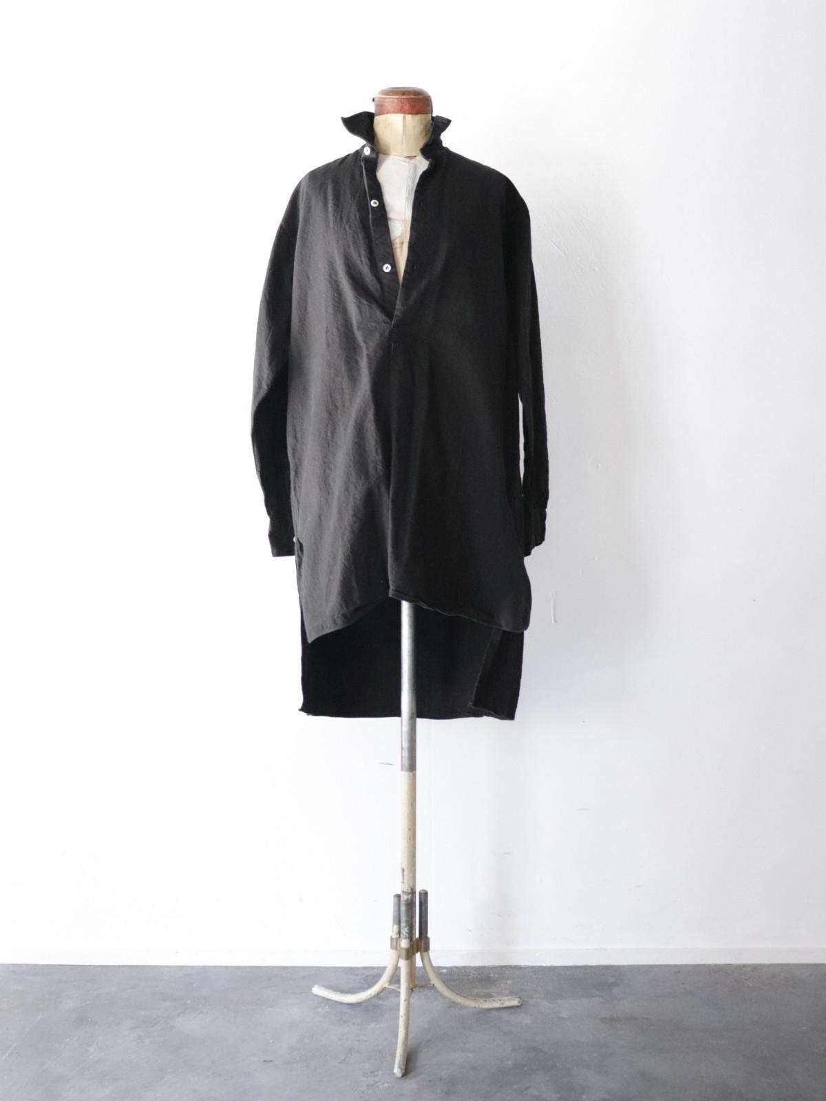 Black-dyed ,long shirts, europe