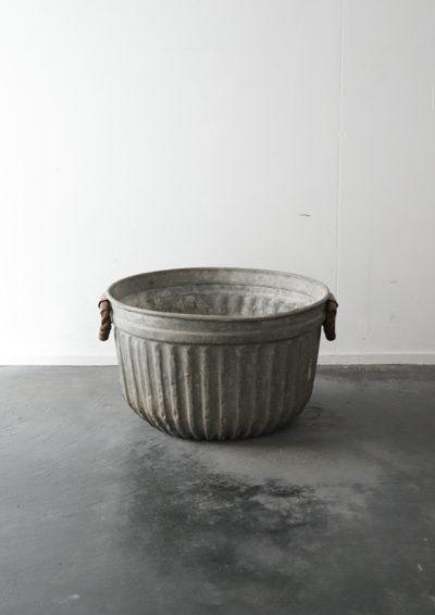 galvanized bucket,USA,vintage
