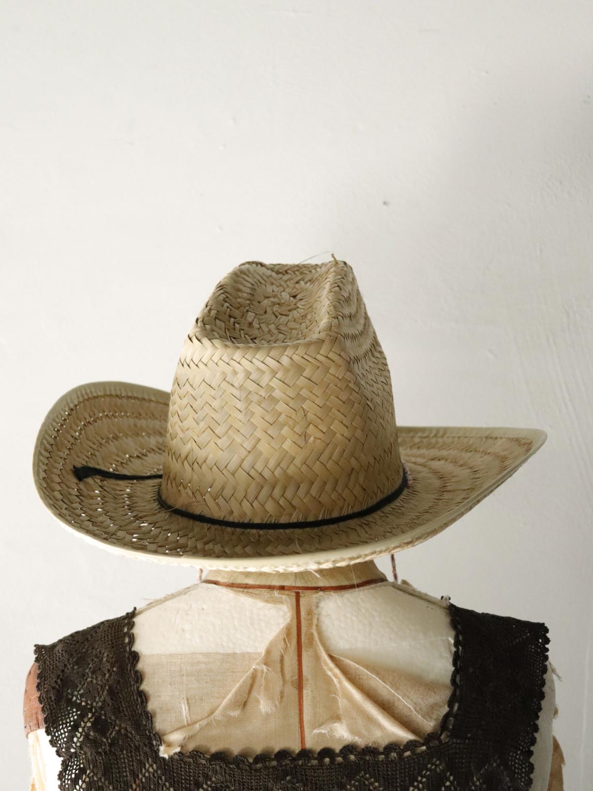 dead stock,cawboy hat,straw hat