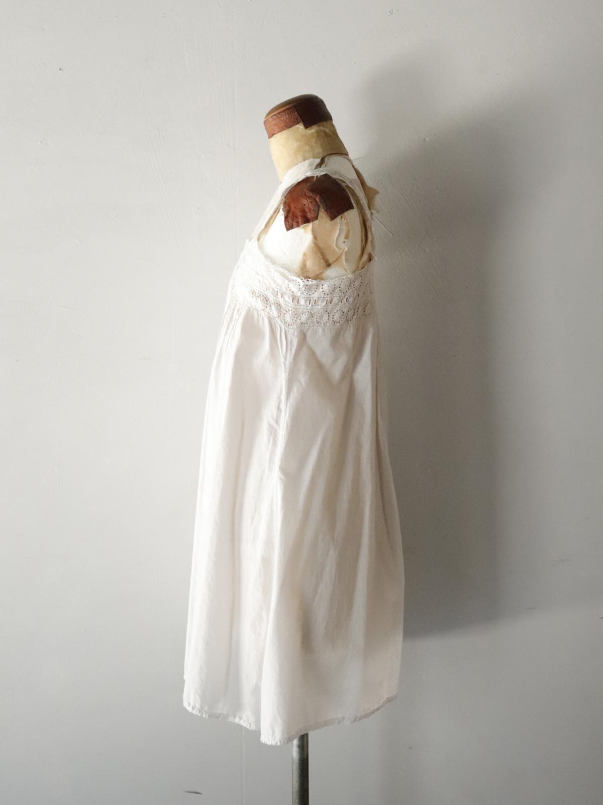 _vintage,europe,linen,cotton,nightwear,lace,enbroidery,camisole