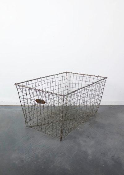 wire metal basket,usa,locker basket,vintage