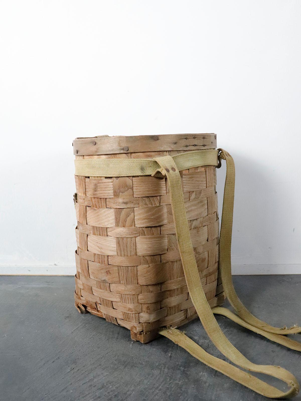 wood basket back pack,usa,vinatge,damaged