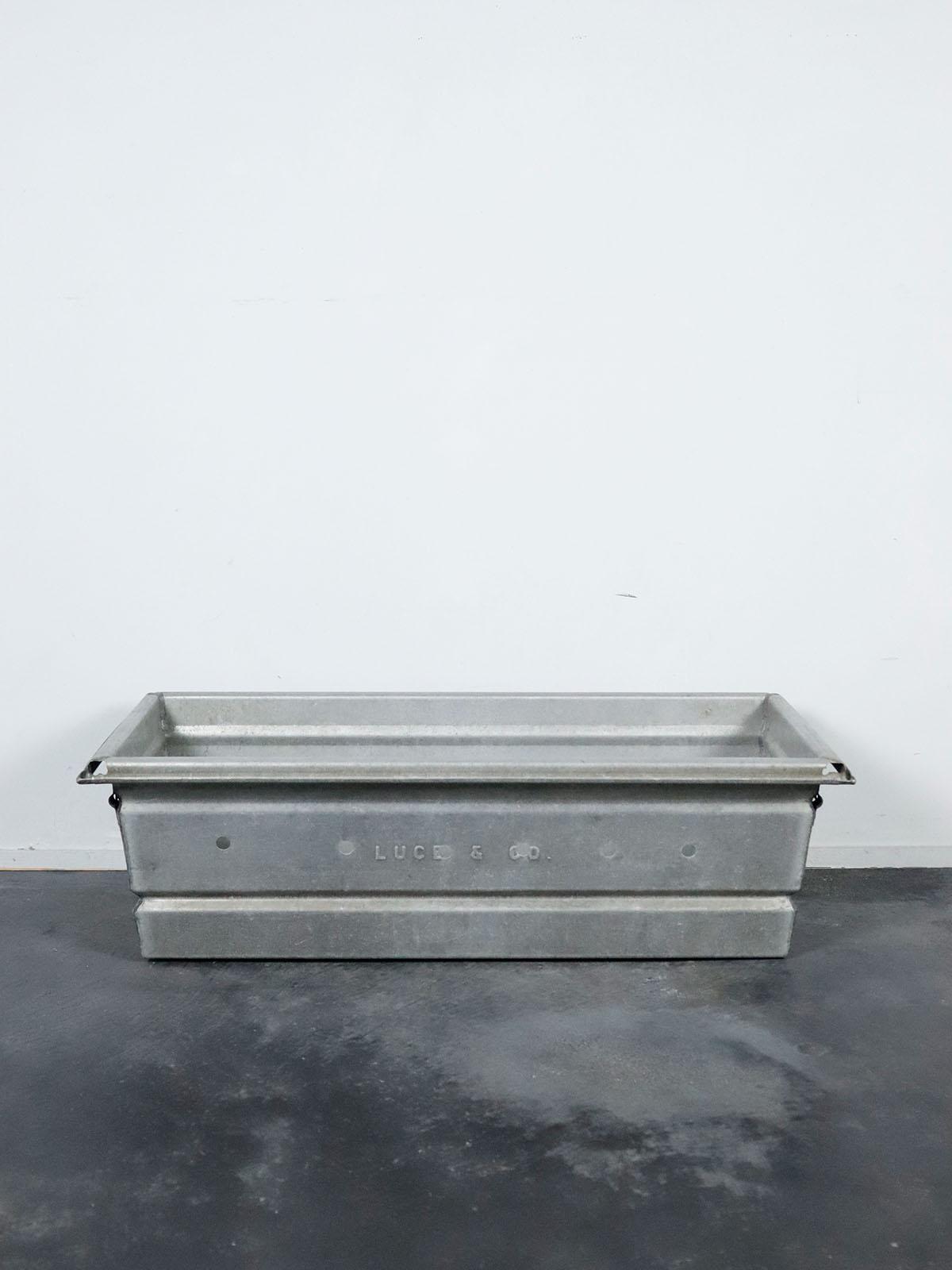 vintage,aluminum crate,usa,luce&co
